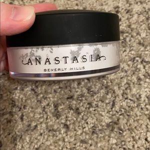 Anastasia Beverly Hills powder